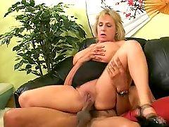 xhamster Blonde cock sucking cougar...
