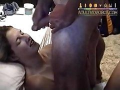 amateur-girlfriend-gets-a-facial...