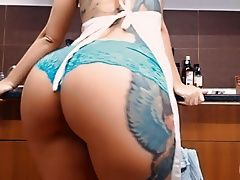 xhamster Big Booty Busty Tattooed Teen!...