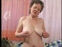 Older mama getting banged hard