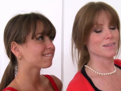 Darla Crane and Riley Reid milf...